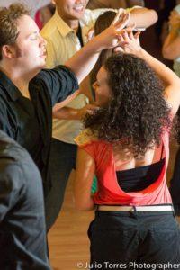 salsa dancing, salsa pittsburgh, man and woman dancing, salsa 412, salsa lessons, salsa classes, arthur murray, ballroom lessons
